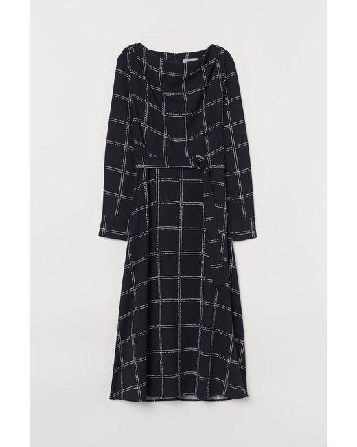 Damen Kleid mit Gürtel in Schwarz